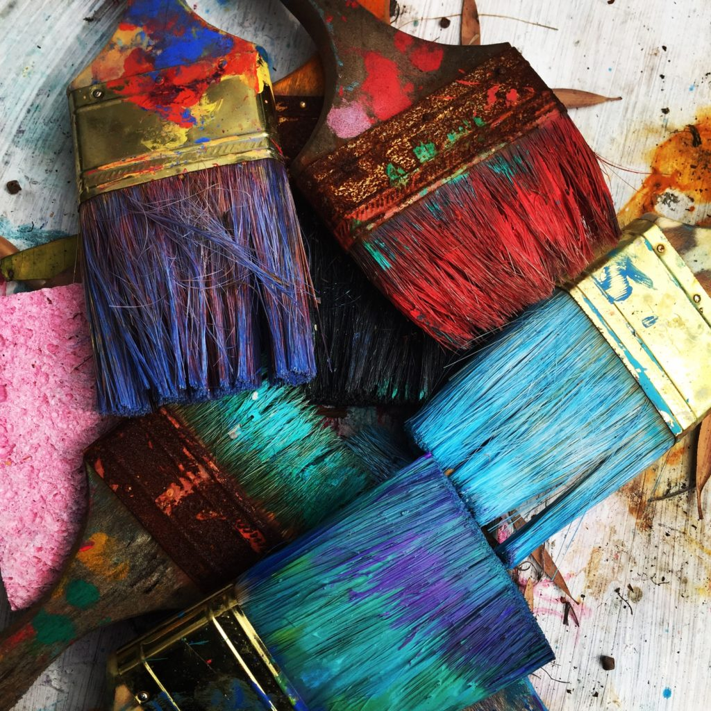 The benefits of making children's crafts