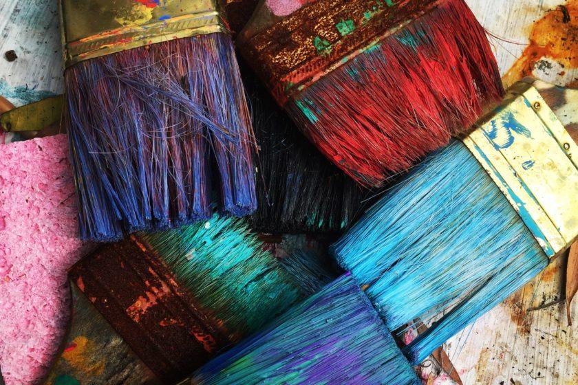 rhondak native florida folk artist  Yc7OtfFn 0 unsplash 840x560 - The benefits of making children's crafts